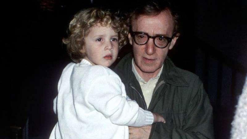 «Это выдумка!»: приемный сын Вуди Аллена защитил его от обвинений в педофилии