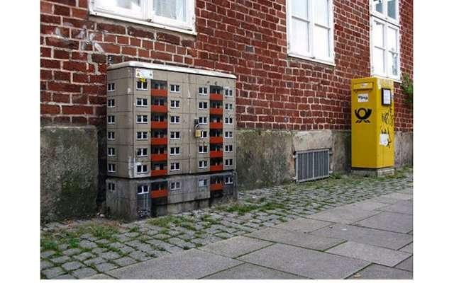 Миниатюрные дома по всему городу