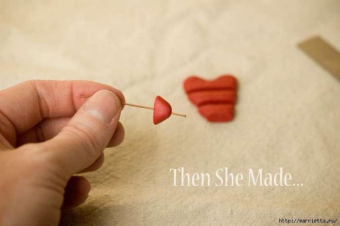 Кулон валентинка из полимерной глины