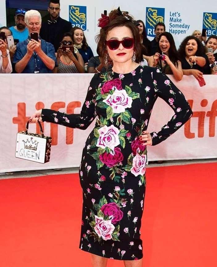 «Сумасшедшая тетушка»: Хелена Бонем Картер в романтичном платье Dolce&Gabbana