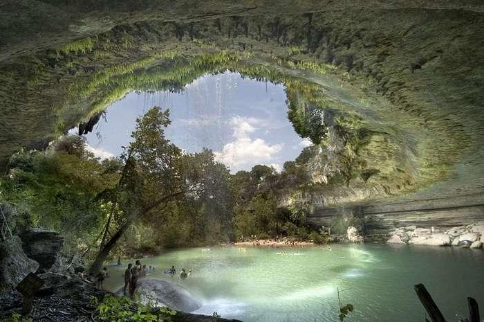 Бассейн Гамильтон - один из красивейших водоемов мира