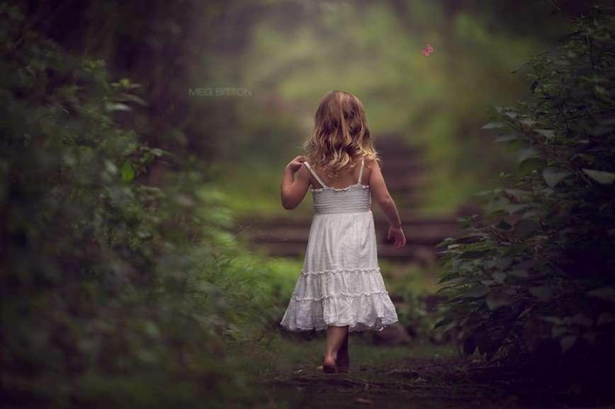 Девичьи грезы и материнство в фотографиях Мэг Биттон