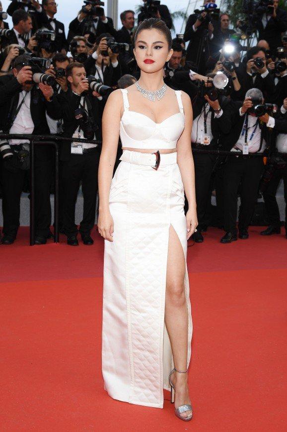 Селена Гомес на открытии Каннского кинофестиваля появилась в украшениях Bvlgari