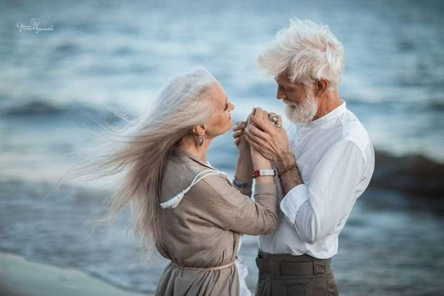 Снимки влюбленной пожилой пары покорили мир